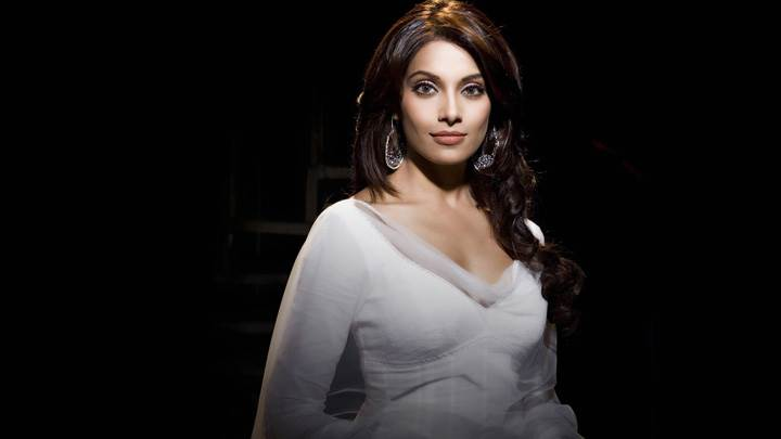 Bipasha Basu In White Dress Front Pose N Black Background